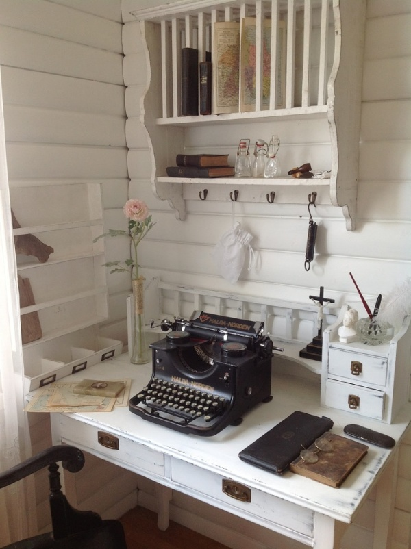 Antique writing (via Pinterest)
