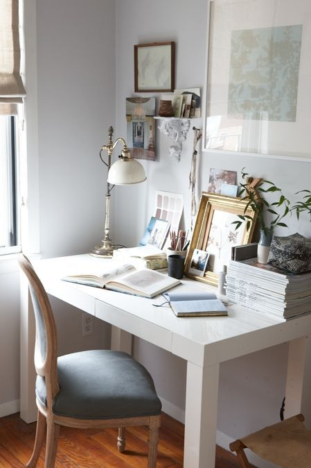 light and airy writing space (via Pinterest)